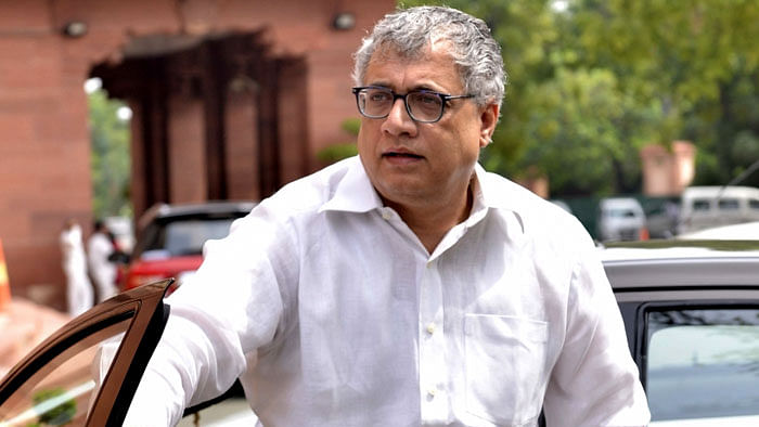 West Bengal: TMC leader Derek O' Brien writes to EC, appeals  to apprehend BJP goons, ensure free & fair polls