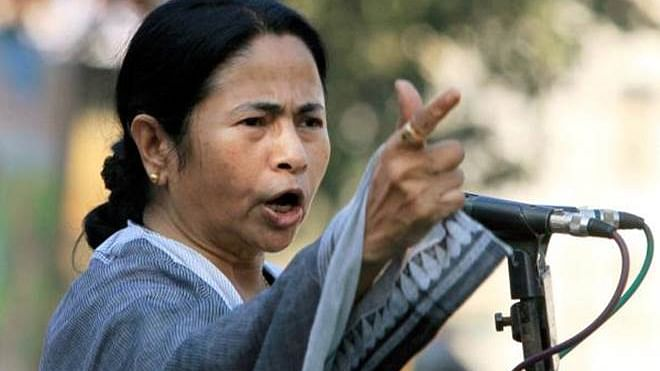 Mamata addresses farmers from dharna site, says Modi govt has snatched their sleep