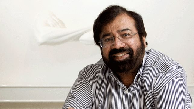 Industrialist Harsh Goenka roasted for making fun of farm loan waivers