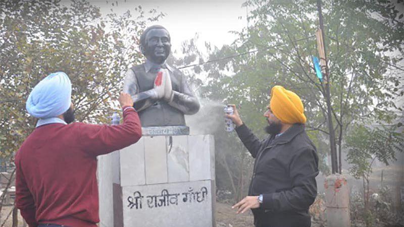 Akalis vandalise Rajiv Gandhi statue, Punjab CM warns of strict action
