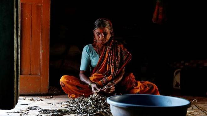 """Oxfam: Inequality has a """"female face"""" in India, unpaid work done by women worth 3.1% of total GDP"""
