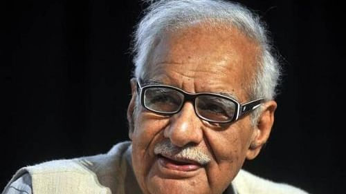 PM Modi is riding a horse which he cannot dismount before elections, wrote Kuldip Nayar in his last book