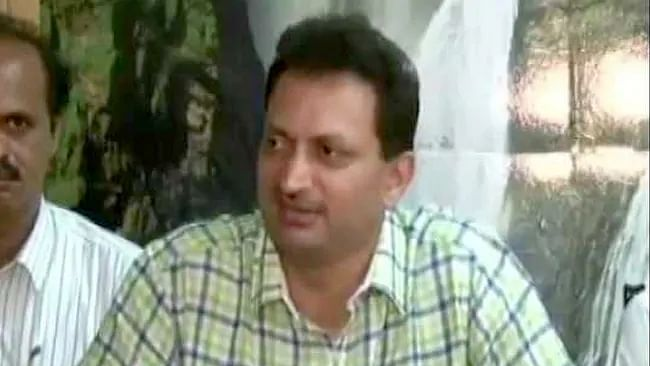 Ananth Hegde deserves to be sacked, says Rahul Gandhi