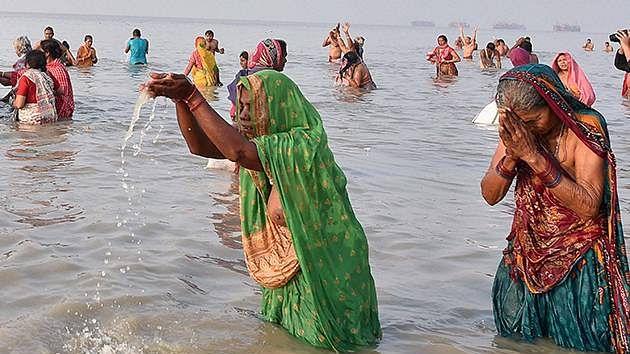 Makar Sankranti: Bracing the chill devotees take dip in Himachal rivers