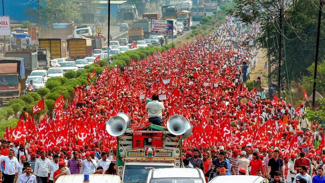 Maharashtra farmers  launch a 'long march'