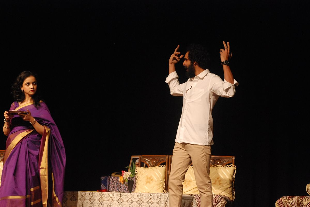 Play review:'Baap Re Baap' a search for a run-away father and  harsh reality of today's theatre