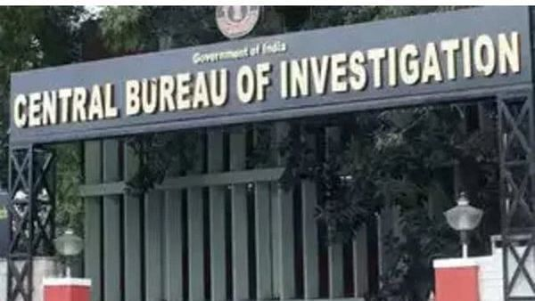 Gr Noida: CBI team probing ₹126-cr land scam attacked, chased away by accused's relatives