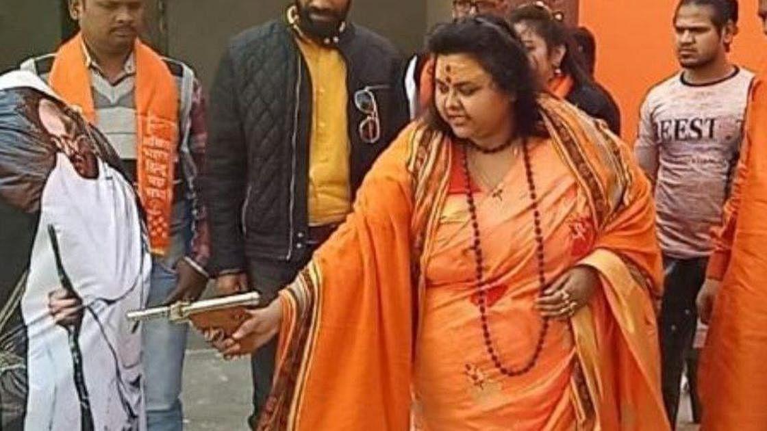 UP police arrests Hindu Mahasabha leader for recreating Mahatma Gandhi's assassination