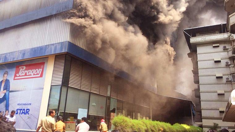 Major fire engulfs a footwear showroom in Kochi, Kerala
