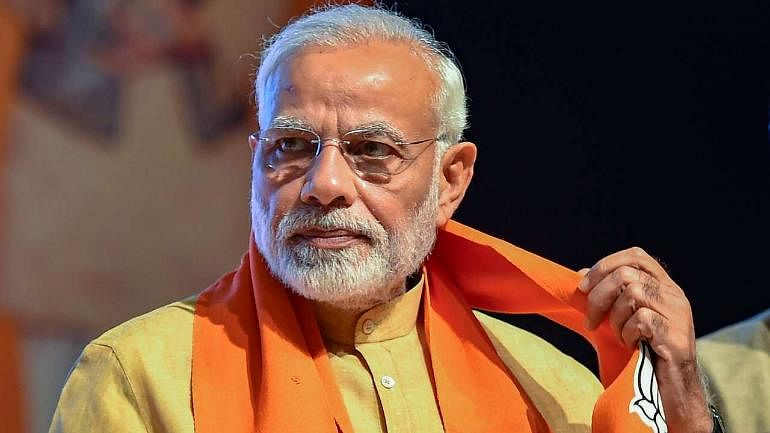 Railway coach set on fire to recreate Godhra  for Modi biopic; permit given to show PM selling tea