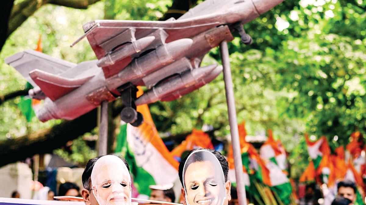 Modi sarkar fights losing battle on Rafale scam