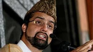 Mirwaiz Umar decides to appear before NIA in Delhi for questioning in terror funding case