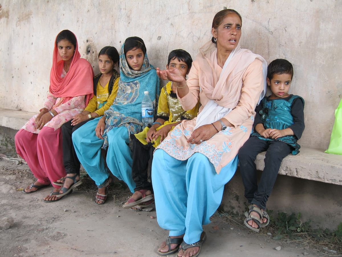 Gulkhar and her daughters.