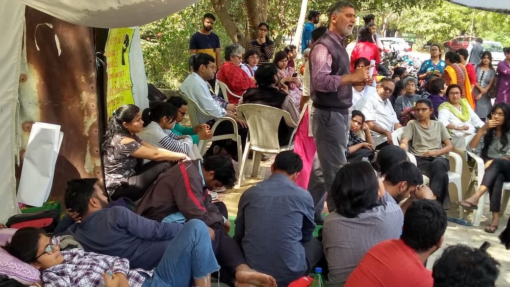 Students go on hunger strike protesting against JNU admin's decision to conduct online entrance exams