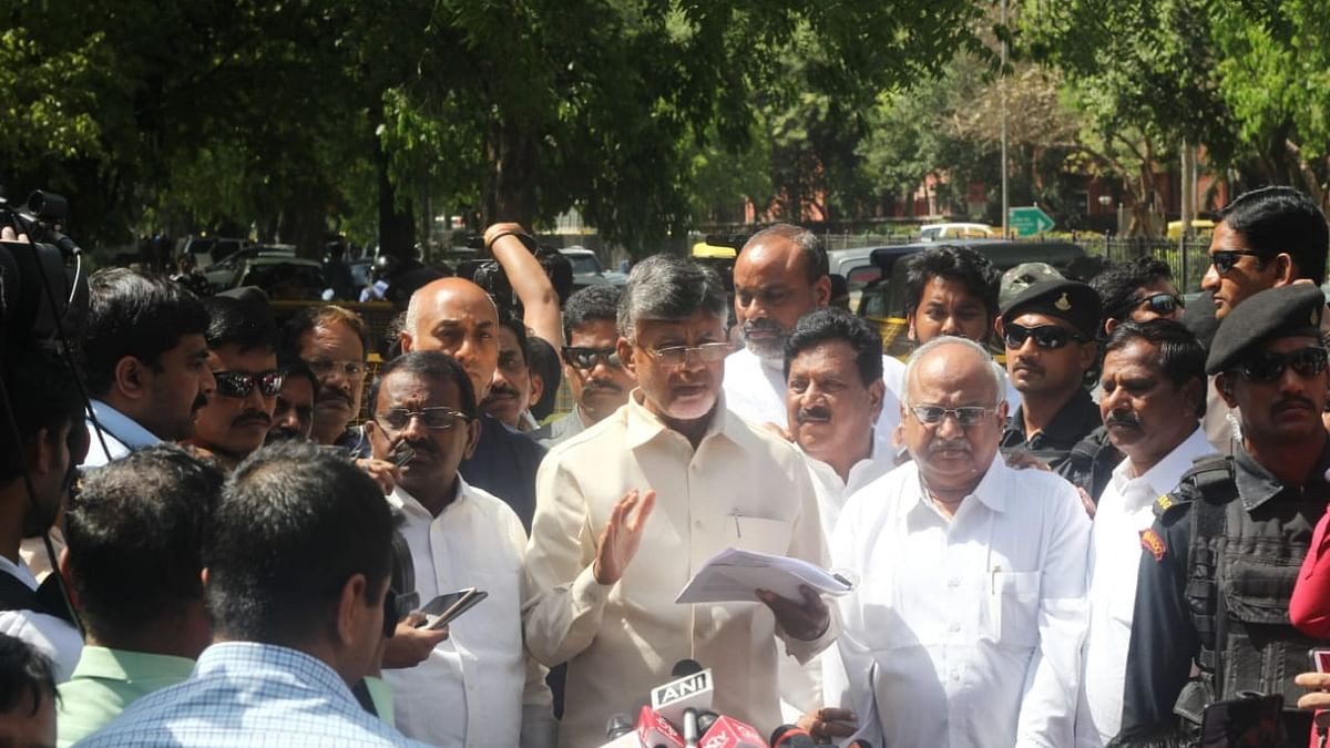 Naidu asks Election Commission: Who did you send to repair faulty EVMs?