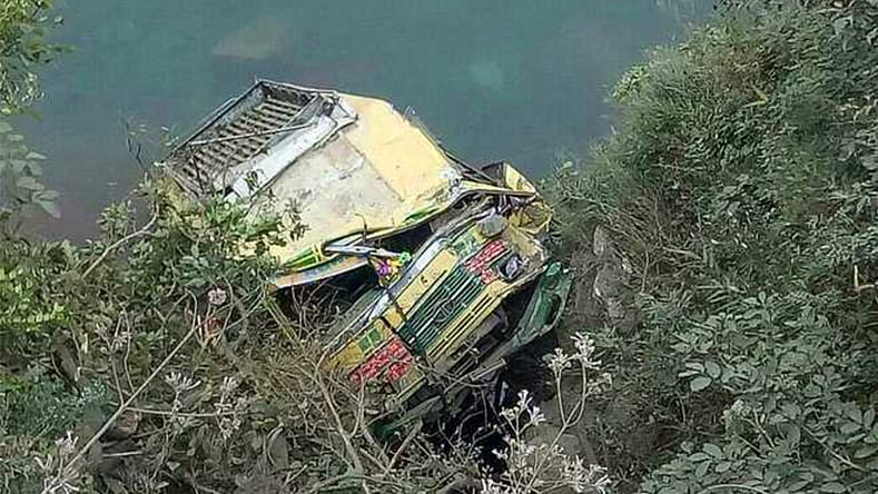 Over 40 injured as bus falls into gorge in Udhampur