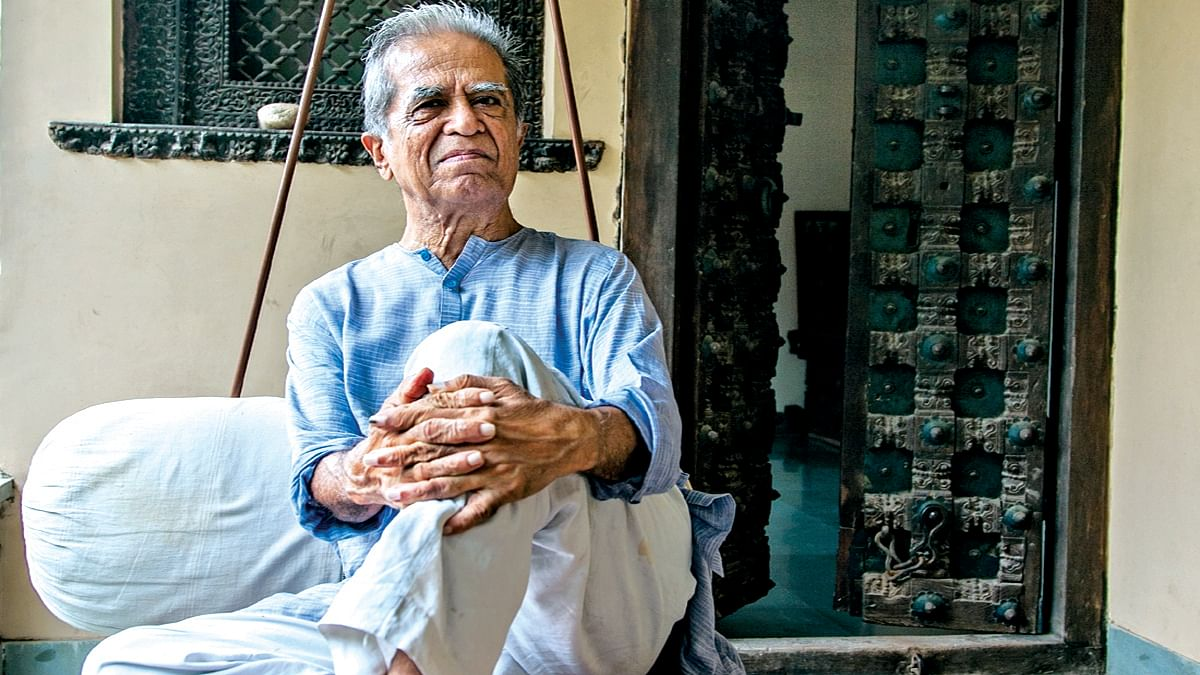 Haku Shah (Social Media)