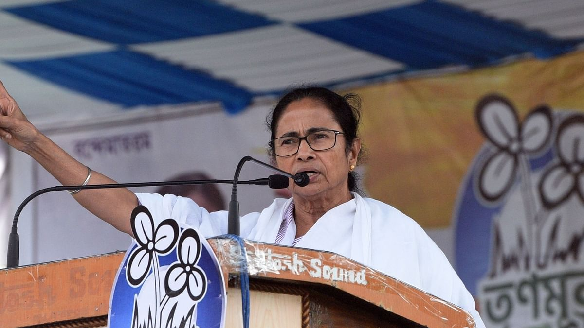 Mamata Banerjee calls for peaceful movements to preserve freedom