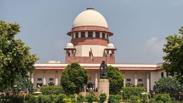 Ayodhya: SC notices to 2 for threatening senior advocate Dhavan