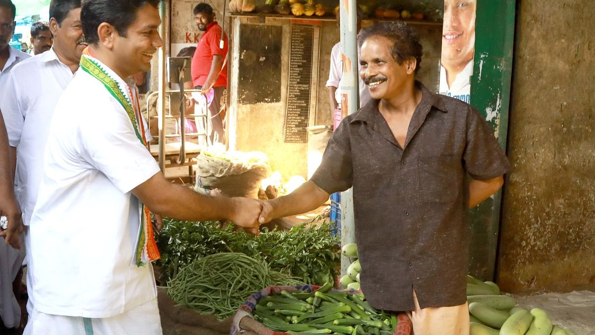 Congress Candidate from Ernakulam Hibi Eden greets people of the constituency ( National Herald)