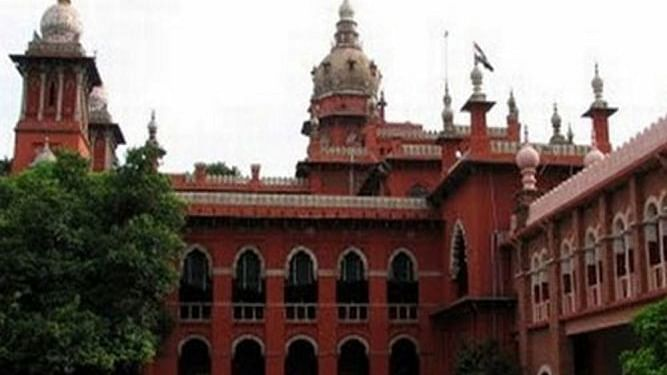 Madras HC takes cognisance of mob attack against burial of doctor who succumbed to COVID-19