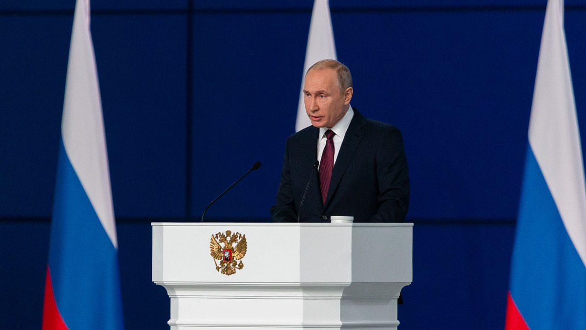 Putin praises Mueller probe, calls for better Russia-US ties