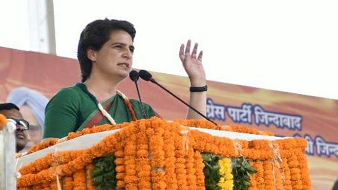 'Jab naash manuj par chhata hai...' quoting Dinkar, Priyanka slams Modi, says Duryodhan too had such arrogance
