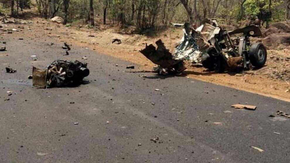 15 commandos, civilian killed by Maoists in Gadchiroli