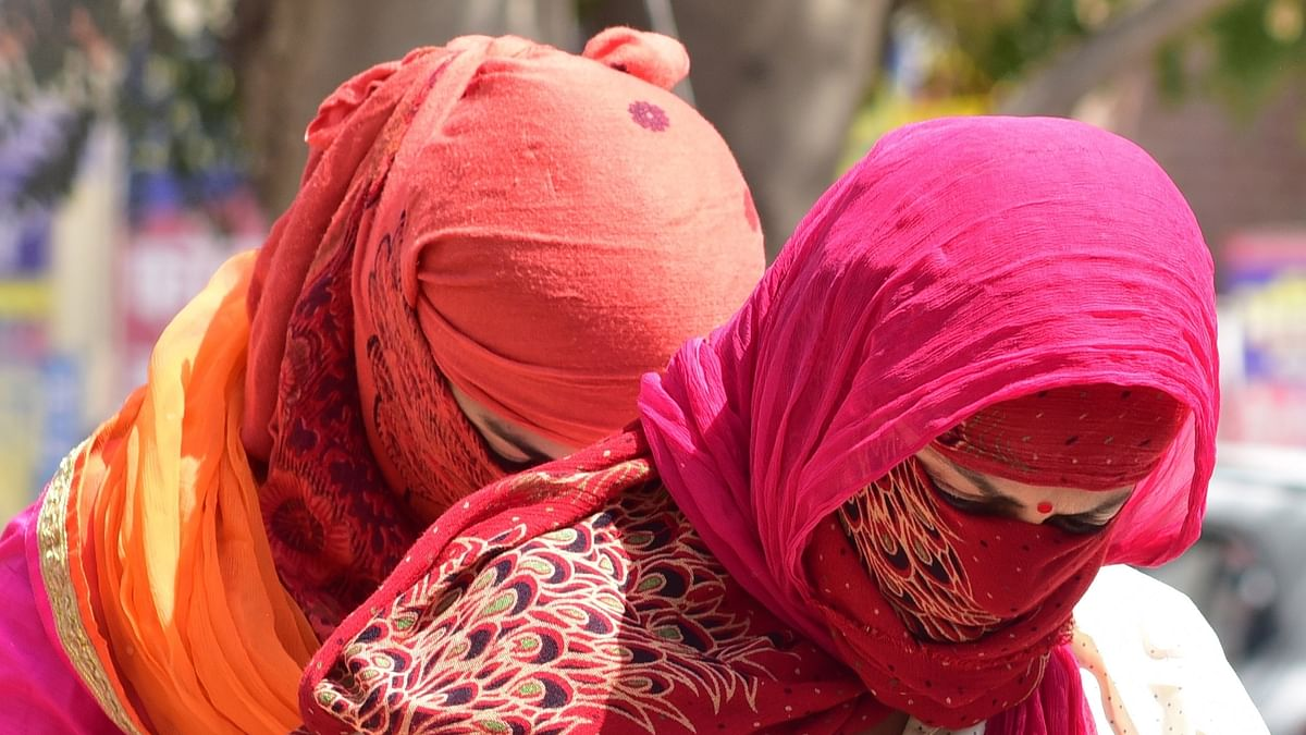 Heat wave conditions prevail in Haryana, Punjab, Agra in UP sizzles at 45, thunderstorm likely in Delhi