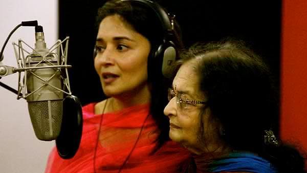 Madhuri Dixit singing with her mother Snehlata Dixit for movie Gulaab Gang (Twitter)