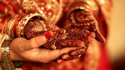 Visas of 90 Pakistani brides withheld by China over trafficking fears