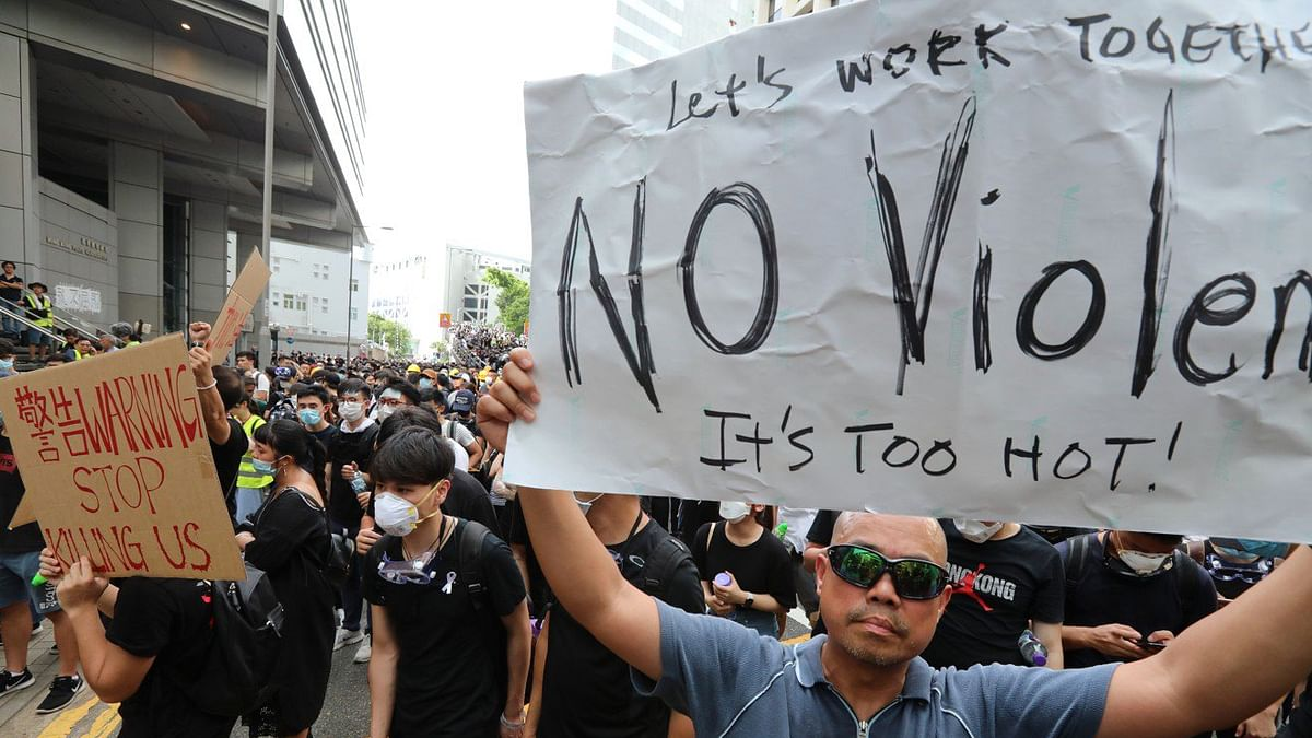 HK police condemn protesters' 15-hour siege on their HQ