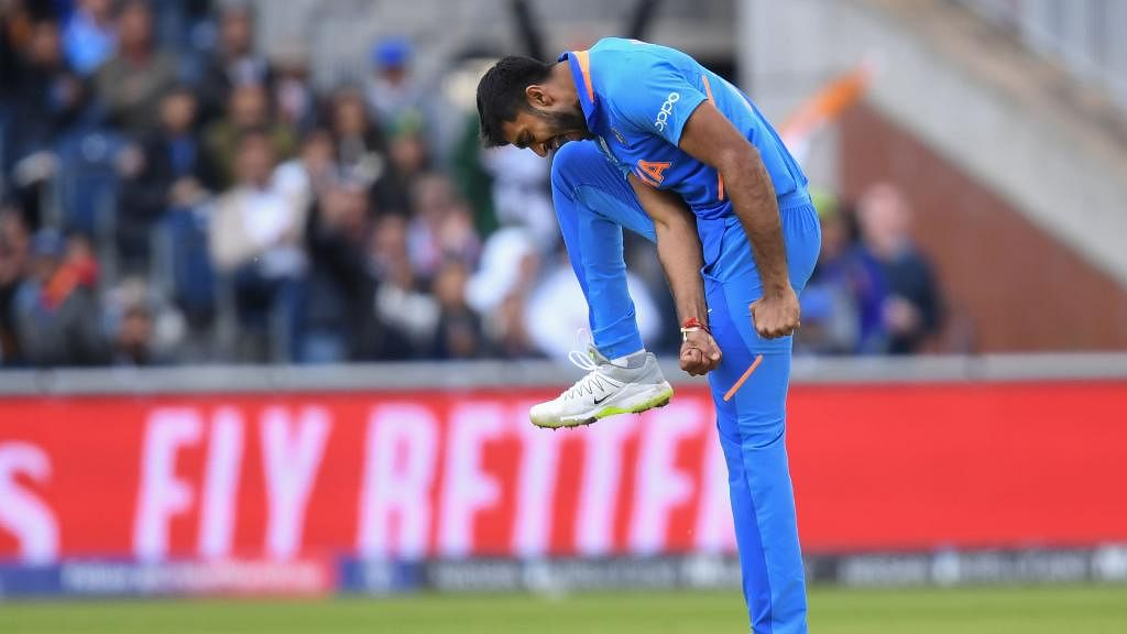 India vs Pak ICC World Cup LIVE: Pak loses 3 wickets in quick succession; 129 for 5 in 27 overs