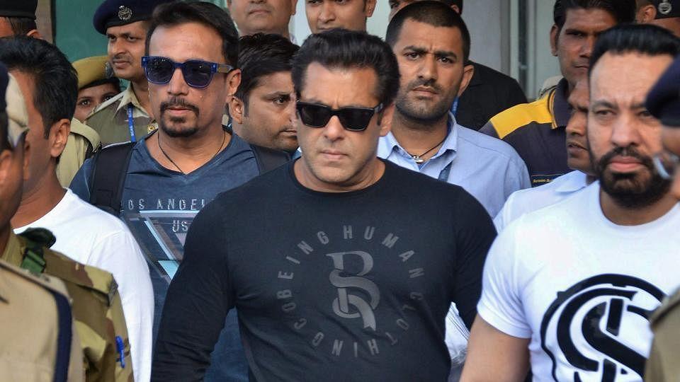 Salman Khan slaps security guard, cleaves netizens