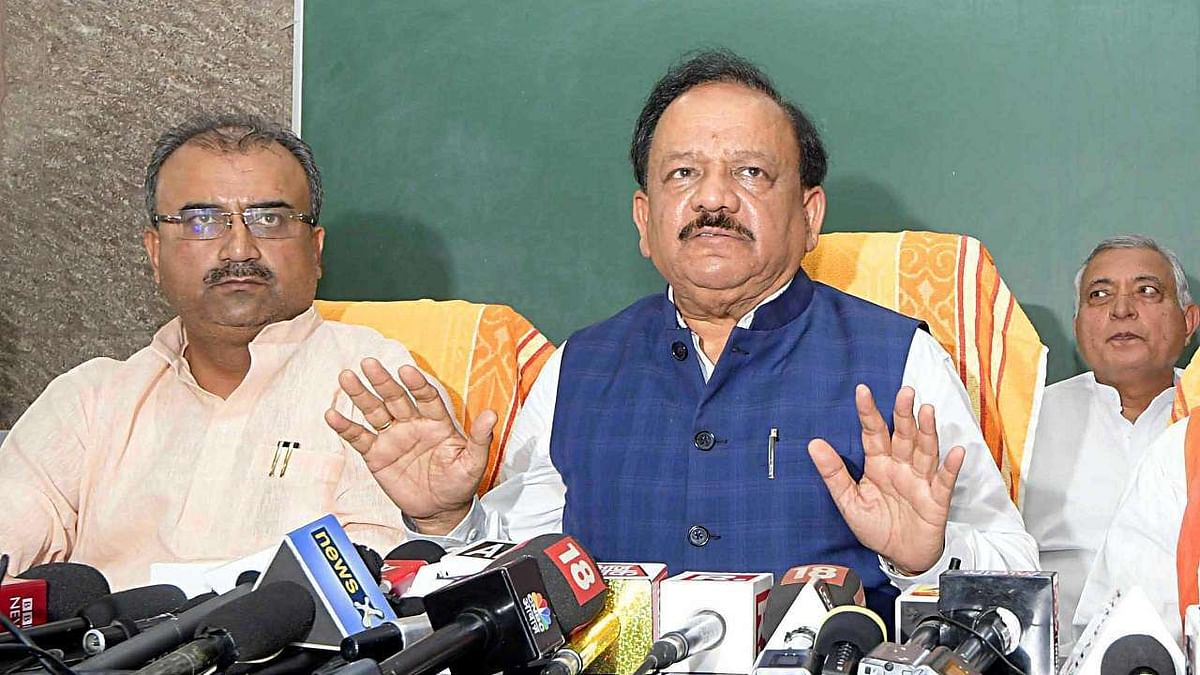 What's the Ind-Pak score? enquires health minister during meeting on encephalitis deaths