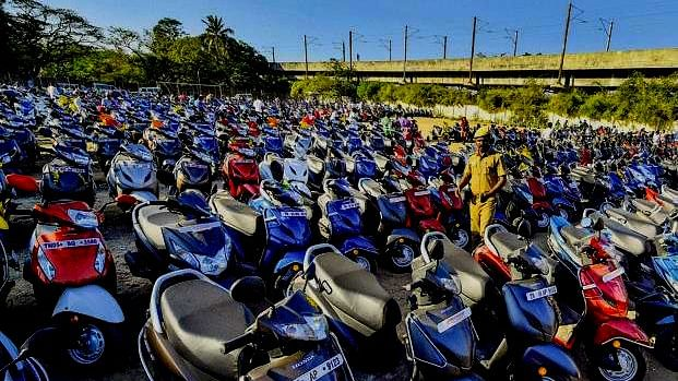 Niti Aayog proposes transition of 2-wheelers below 150cc to electric mobility by 2025
