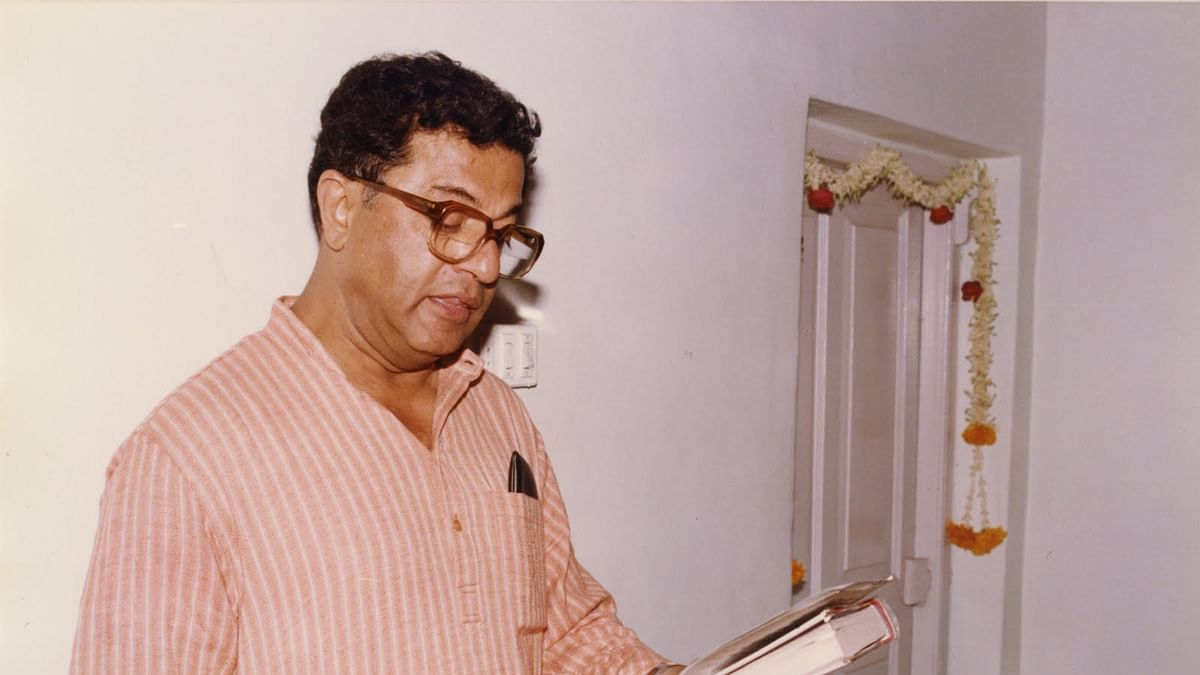 Girish Karnad at the author's wedding reading DR Bendre's poem Kalpa Vriksha Vrindavana