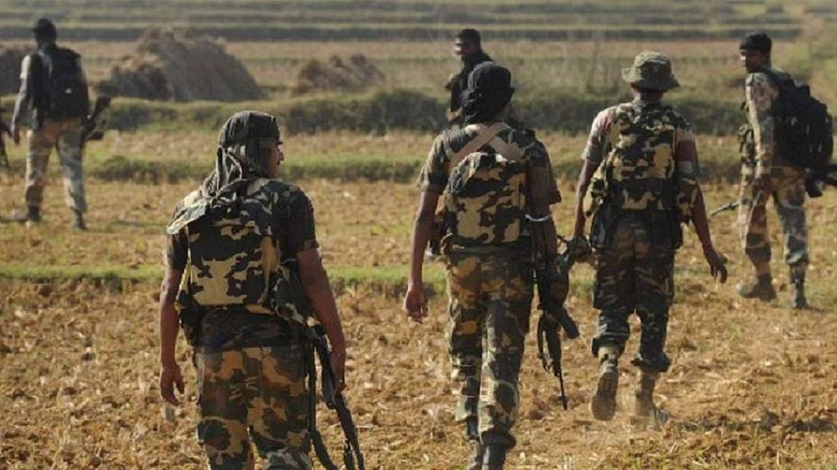 Two CRPF personnel killed in encounter with Naxals