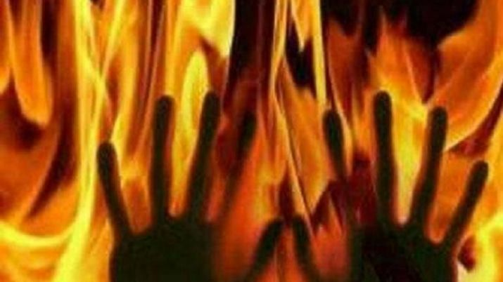Man in UP set ablaze after mistaken for thief