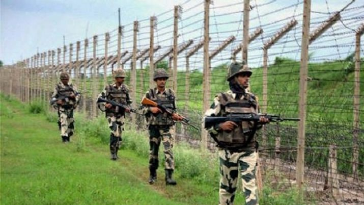 Heavy firing on LoC in Poonch district of Jammu and Kashmir
