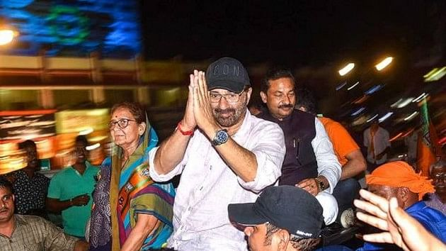 Sunny Deol appoints 'representative' to Gurdaspur constituency, Congress calls it 'betrayal' to voters