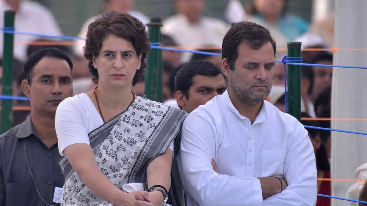 Rahul, Priyanka slam BJP after govt falls in Karnataka