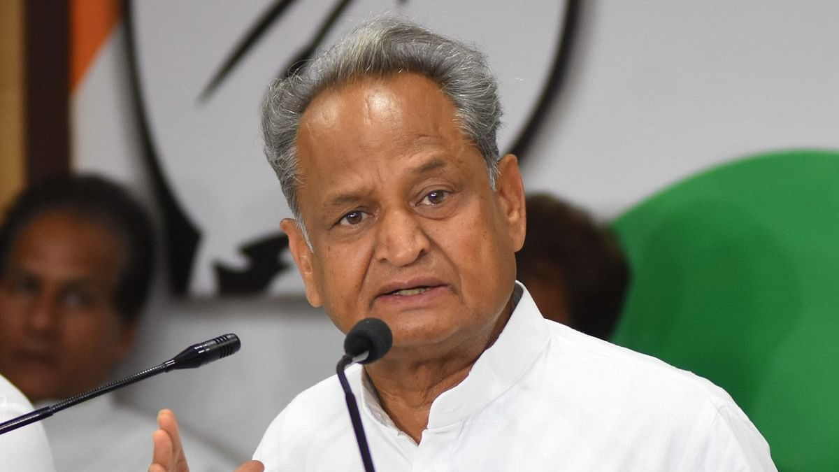 "Gehlot after meeting Rahul: ""Conveyed party workers' feelings to him. Hope, he will take right decision"""