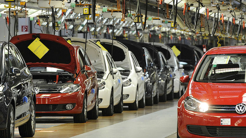 Record decline in  sales in auto sector since 1998; Passenger vehicle sales down by 31.57%