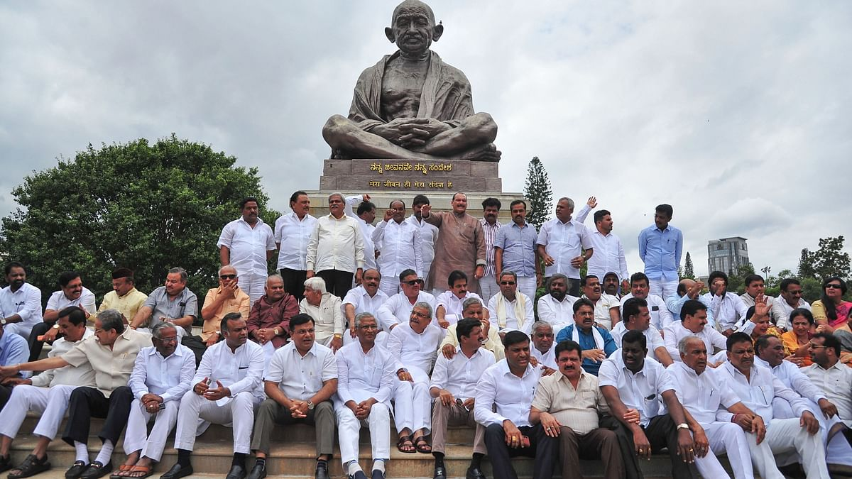 Karnataka crisis : Speaker rejects resignation of 8 MLAs, Cong seeks disqualification of rebel MLAs