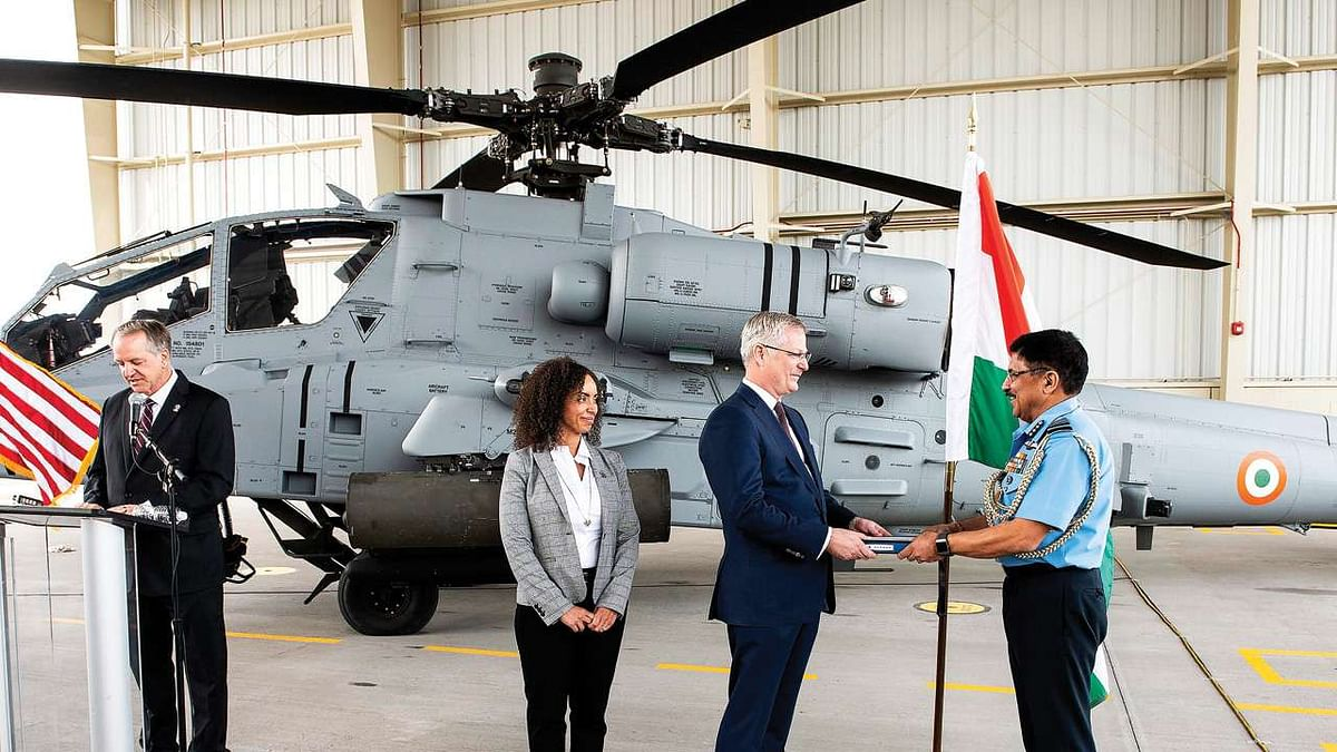 IAF gets first batch of 4 Apache attack helicopters from US