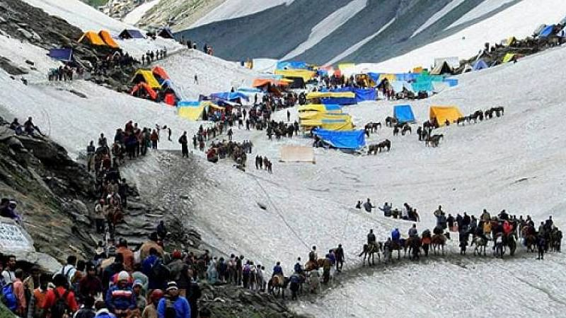 Another batch of 5,124 pilgrims leave for Amarnath cave shrine, security tightened