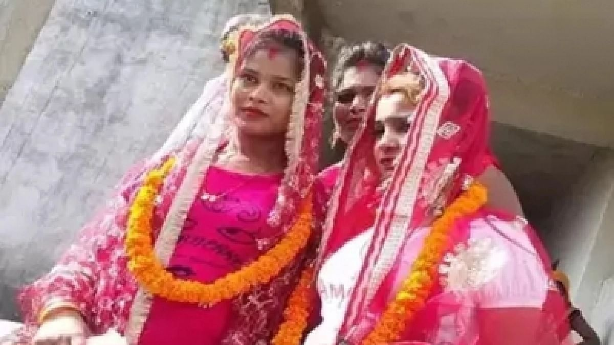 First same sex marriage solemnised by priest in Varanasi