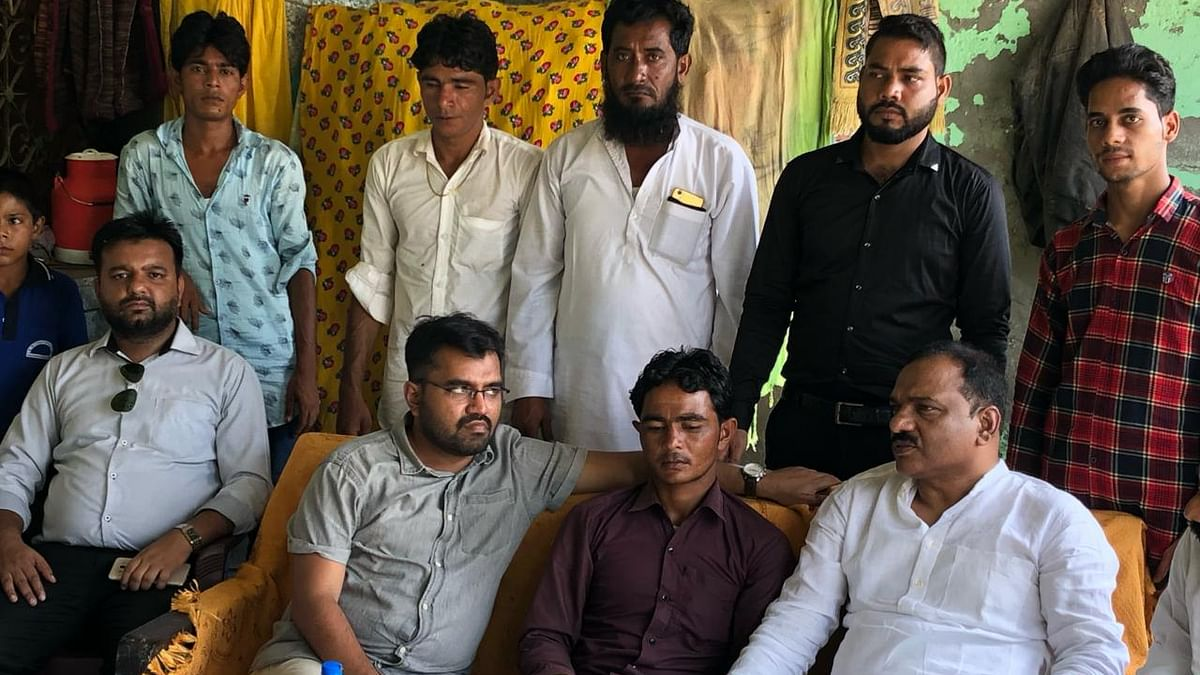 National representatives of Muslim youth league pay a solidarity visit to Pehlu Khan's family
