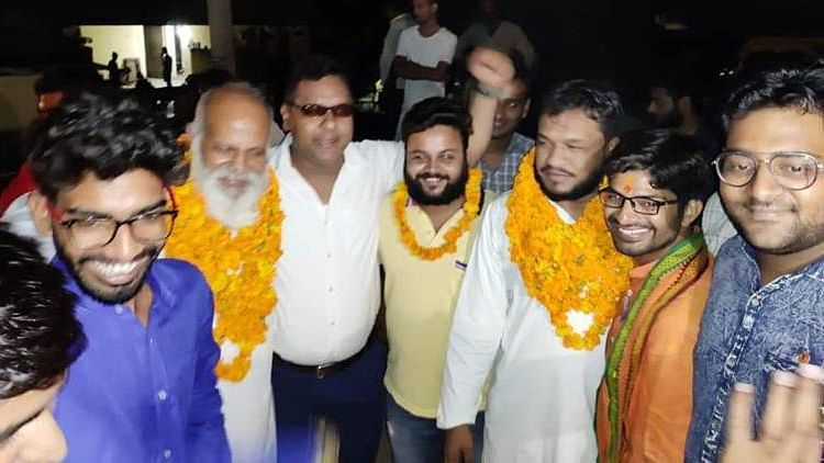 Bulandshahr violence: Heroes' welcome for accused out on bail for killing a police inspector